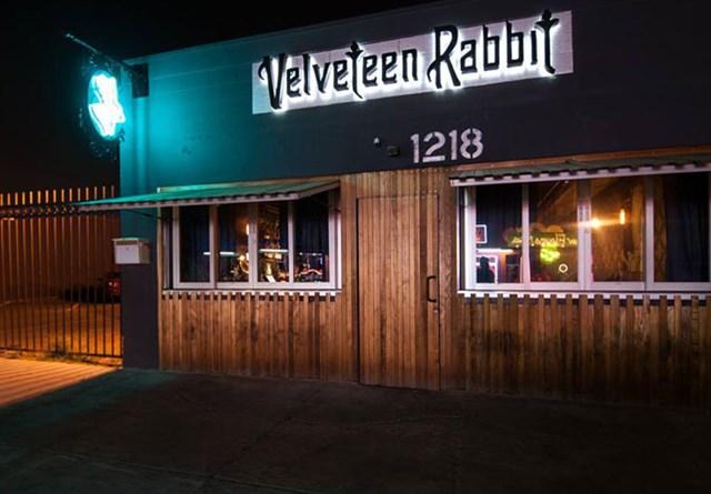 Join The Happy Hour At Velveteen Rabbit In Las Vegas Nv 89104