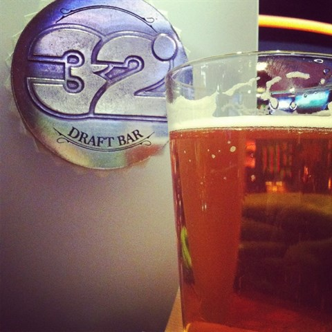 Join the Happy Hour at 32 Degree Draft Bar in Las Vegas, NV 89044