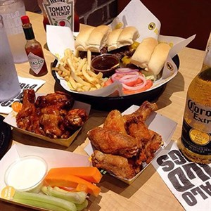 Buffalo Wild Wings - Miracle Mile Shops